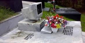 PC-grave-yard