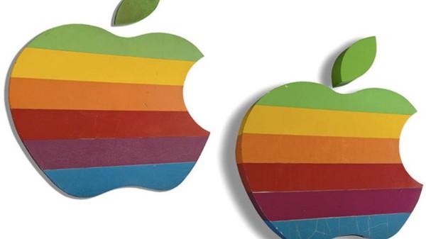دو تابلوی نمادین لوگوی رنگینکمانی اپل به مزایده گذاشته خواهد شد!